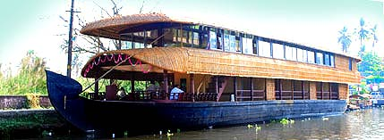 7 bed room houseboat
